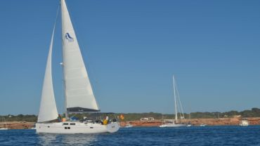 Charter in new sailboat for Ibiza and Formentera, with last minute discount of 20% for May and June